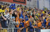 highlanders_fans_party_in_the_zoo_in_forsyth_barr__54e6e6f504